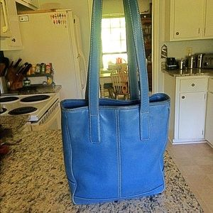 Coach Legacy Hamptons Bleu Leather Shoulder Bag